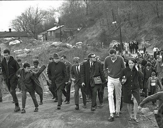 Feb 13 Sen RFK walks up Liberty Street Hazard by Paul Gordon